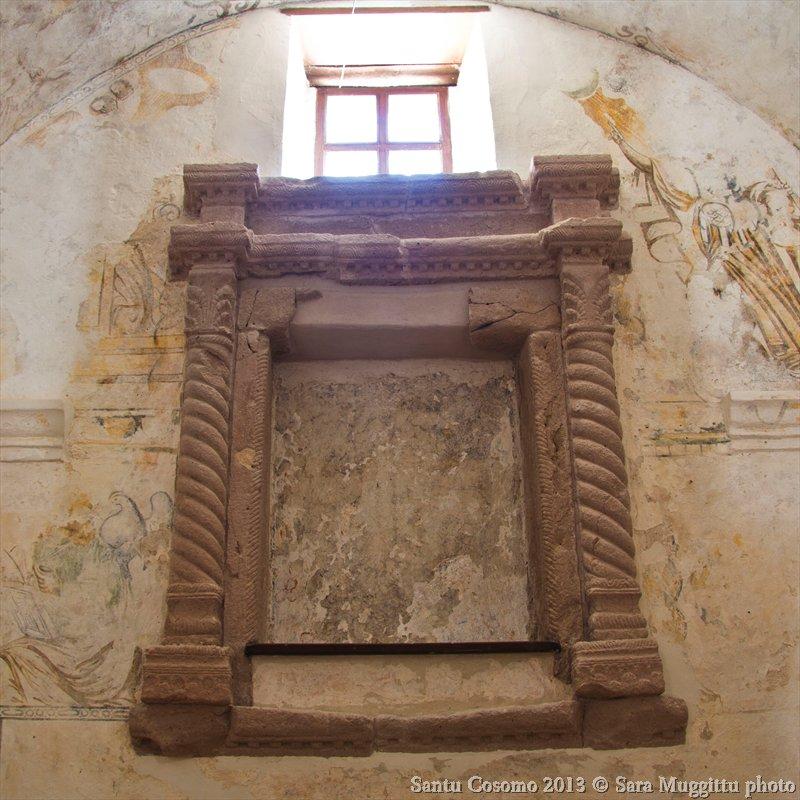Altare in trachite chiesa San Cosimo