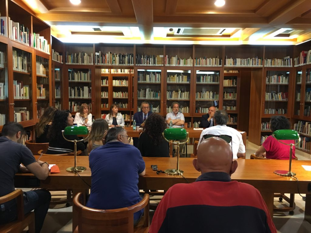 conferenza stampa all'ISRE