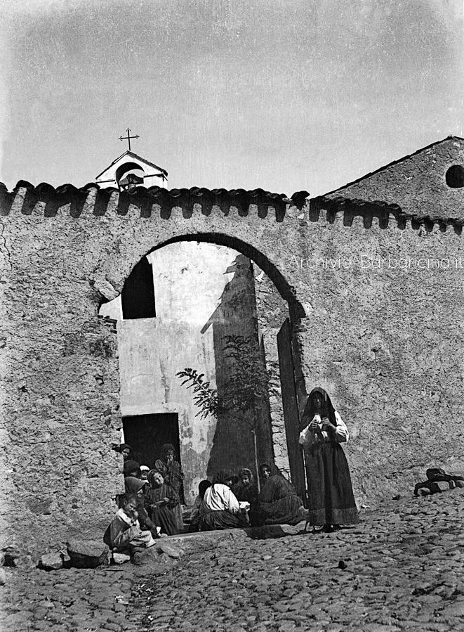 La chiesa de su carmu foto Wagner primi '900